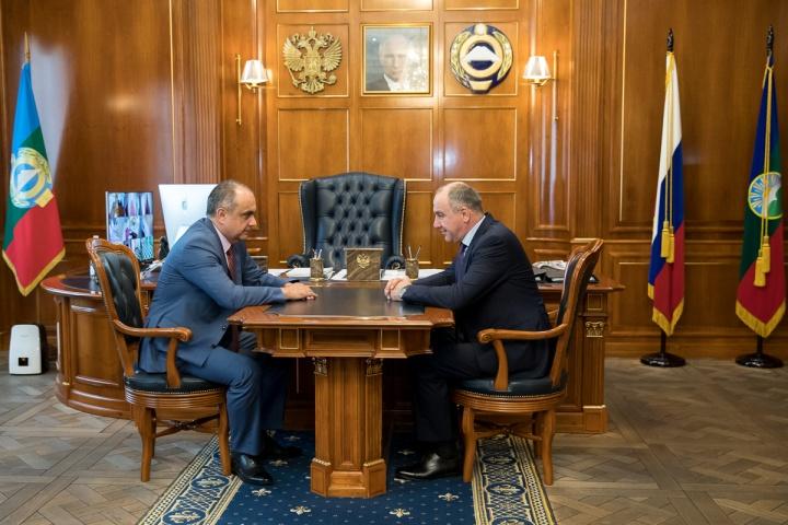 Рашид Темрезов подписал Указ о назначении вице-премьером – министром финансов Карачаево-Черкесии Мурата Суюнчева